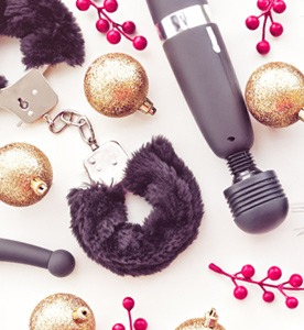Sexy adult Christmas gifts on pulse and cocktails